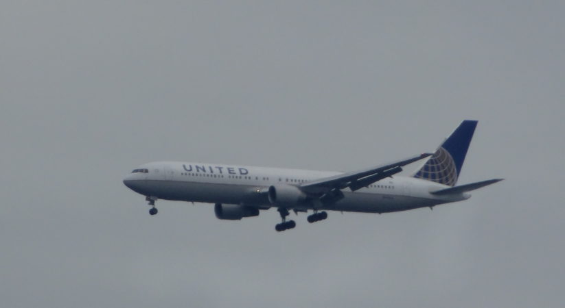 United Airline planes makes emergency landing at Edinburgh airport